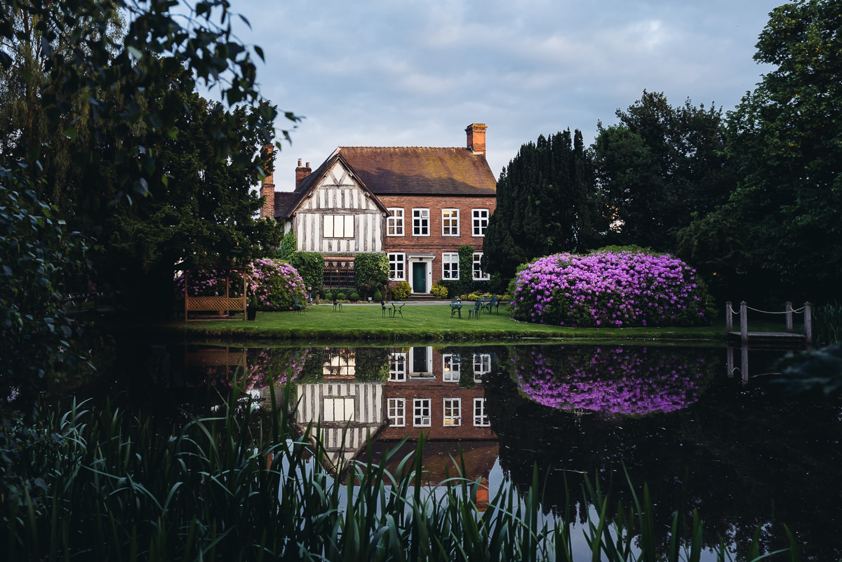 moat house flowers